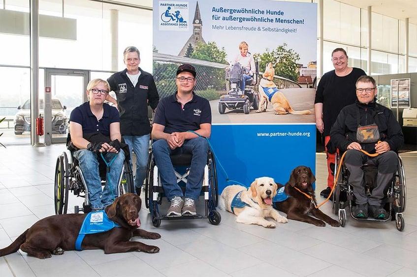 Verein Partnerhunde Österreich Messewand