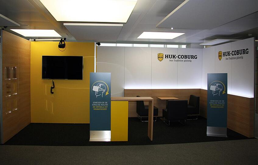 HUK Coburg Messestand konventioneller Messebau
