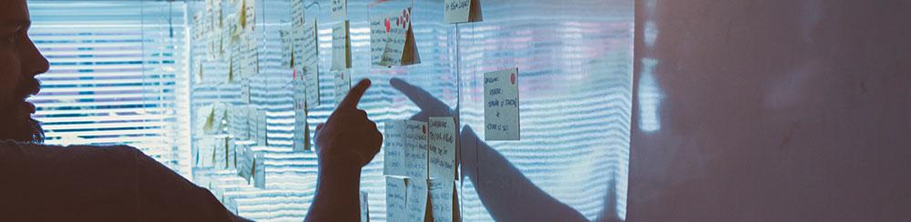 Eine CSR-Strategie, die Grundsätze und Ziele enthält, aus denen sich konkrete Maßnahmen ableiten lassen.